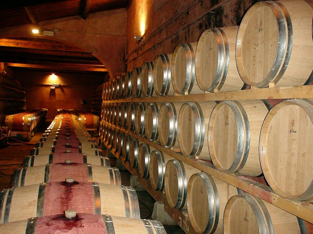 Rotwein Weinfass
