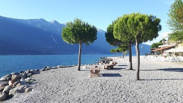 Limone sul Garda- schönsten Strände am Gardasee